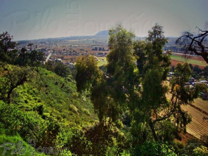 Sacromonte hill in Amecameca, Mexico. Copyright 2011 Miguel Omaña.