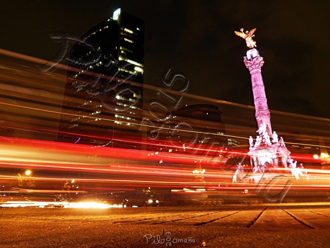 Long Exposure in Mexico City. Copyright 2013 Miguel Omaña.